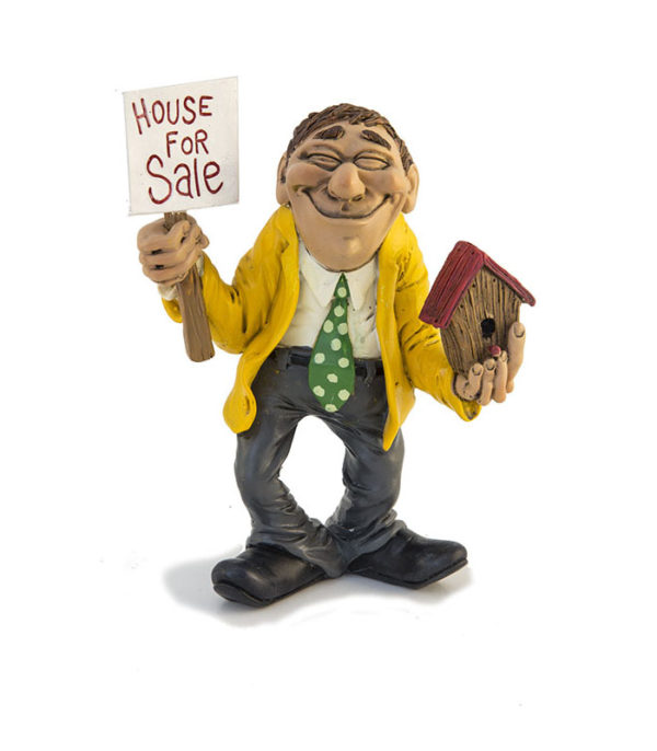 ejendomsmægler skilt, ejendomsmægleruddannelse, ejendomsmægler kursus, ejendomsmægler eksamen, ejendomsmægler til salg skilt, huse til salg, hussælger, boliga, boligsiden