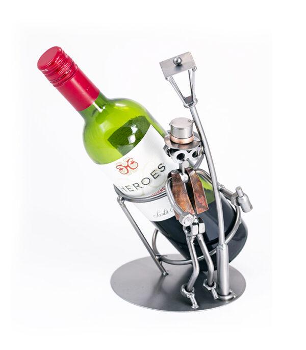vinholder, flaskeholder, vinreol, vinkælder, vingave, firmagaver, vingaver, fun wine holder, metal wine holder, sjov metalfigurer, fun metal figures, homemade gifts, hjemmelavede gaver, gaver med humor, kreativ gave, gave til manden der har alt, gave til ham der har alt,