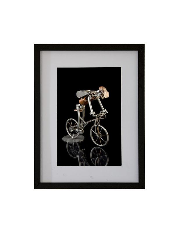 Metalfigurer som foto - sort baggrund