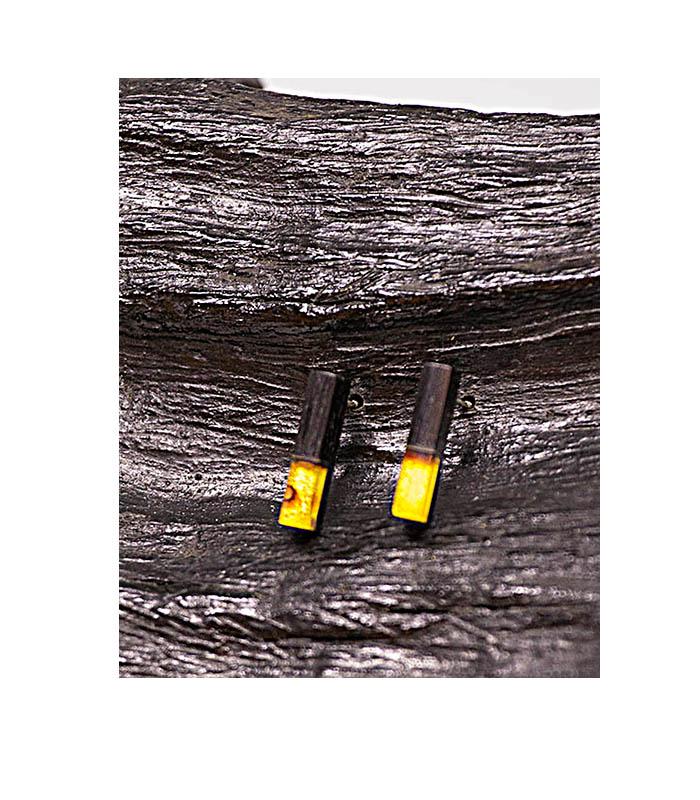 long earings, ,aflange øreringe i rav, og træ, wood and amber earings, wood earings, træøreringe, øreringe træ, rav ørestikkere
