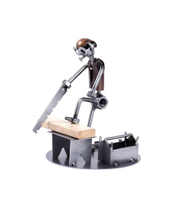Tømrer med hammer og sav , tømrer, carpenter, stålfigur, steel figure,