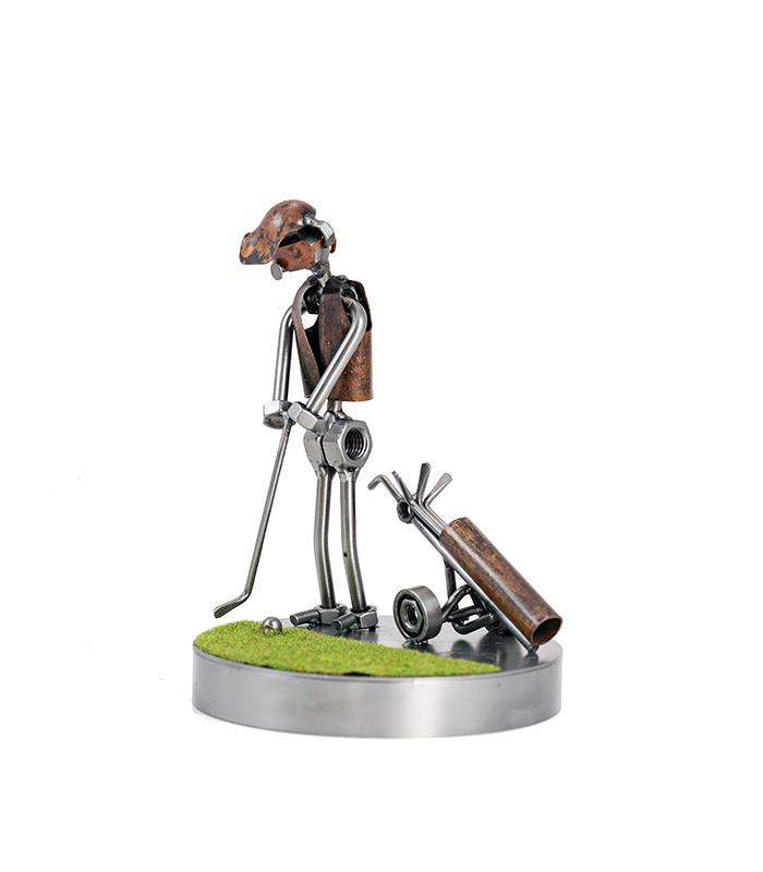 golfspiller, putter, golputter, puter, golffigur på golfbanen, golfbane, golfbaner, golfspiller mand, mandlig golfspiller, golffigur, golfgave, golftrofæ, golfbaner, golfklubber, golfudstry, golfbutik, golftrofæer, golfkøller, golftasker, golfvogne, golfrejser, golf