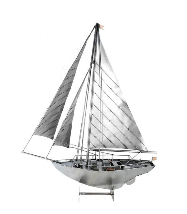 Sejlbåd som dekoration i boligen