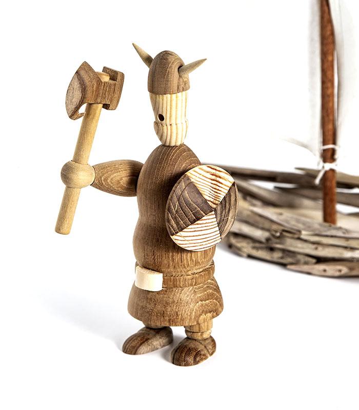 Dekorativ høj viking i genbrugstræ