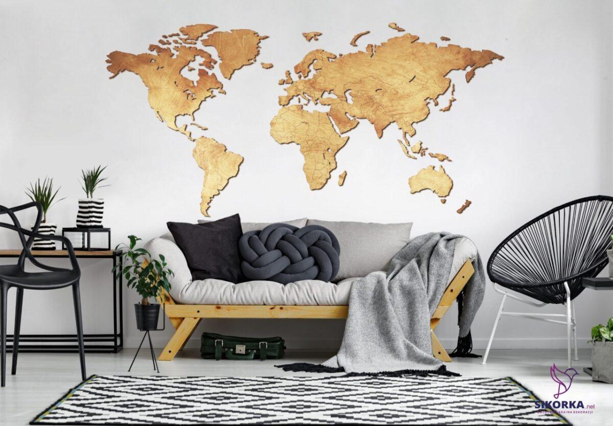 Stort verdenskort i træ som vægdekoration