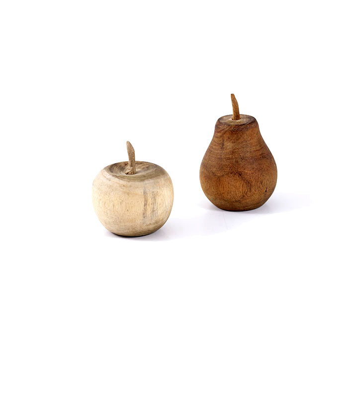 Dekorative æbler og pærer i træ