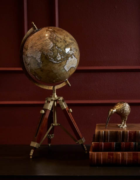 globus med trebenet retro fod
