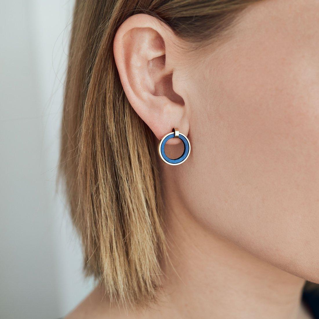 øreringe runde guld og træ blå
