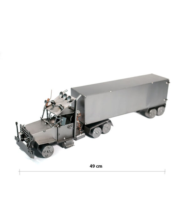 Lastvogn med lastvognstrailer metalfigur som gave lastvognschauffør