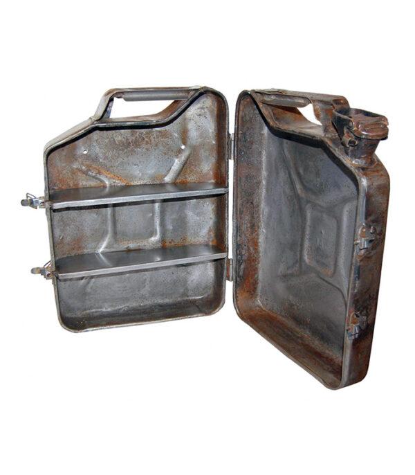 Vægskab i jern gammel benzindunk